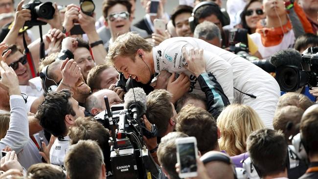 Kemenangan ini adalah yang ketiga untuk Rosberg musim ini, dan keenam secara beruntun jika dihitung dari musim lalu. (REUTERS/Aly Song)