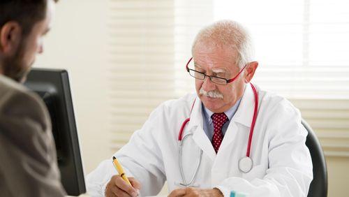 Survei: Takut dan Mahal Jadi Alasan Utama Orang Enggan ke Dokter