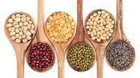 Menurut American Institute for Cancer Research, kacang-kacangan mengandung serat tinggi dan folat yang melindungi sel usus, serta dapat membantu mengurangi kemungkinan berbagai jenis kanker seperti kanker hati, usus besar, payudara dan prostat. Foto: Thinkstock