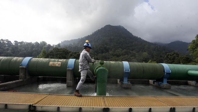 PVMBG Bantah Gunung Salak Erupsi