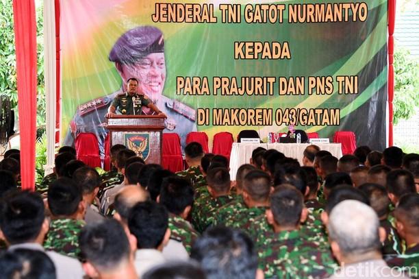 Jenderal Gatot Beri Pengarahan Prajurit TNI