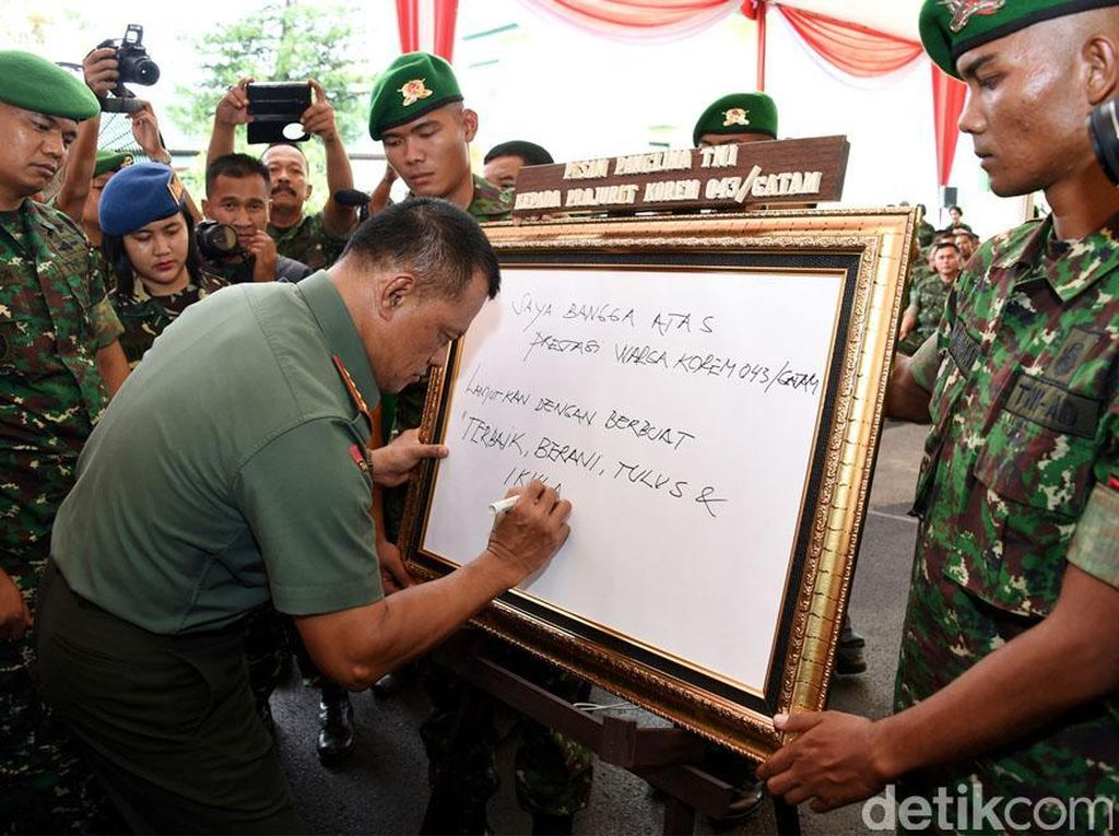 Jenderal Gatot menulis pesan kepada para prajurit TNI.