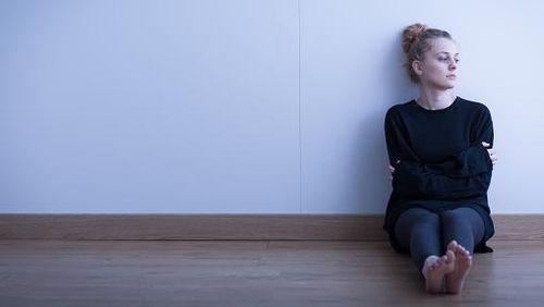 Malam Weekend Sendirian Saja? Awas, Kesepian Bisa Memperpendek Umur