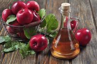 Kourtney pernah mengatakan bahwa dia meminum segelas air yang dicampur dengan dua sendok makan cuka sari apel di pagi hari dan malam hari. Walaupun tidak adak bukti ilmiah yang cukup tersedia untuk membuktikan manfaat tersebut, namun tambahan cuka sari apel tampaknya membantu mengatur gula darah, kata satu penelitian. Foto: thinkstock