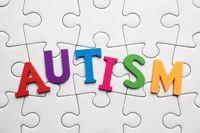 Vaksin MMR (measles, mumps, rubella) sempat diisukan bisa memicu autisme. Para ahli kesehatan telah membantah hal tersebut namun isu masih beberapa kali beredar tidak hanya di Indonesia saja tetapi juga luar negeri. Foto: Thinkstock
