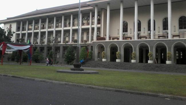 UGM Raih Peringkat 1 Perguruan Tinggi Indonesia 2017