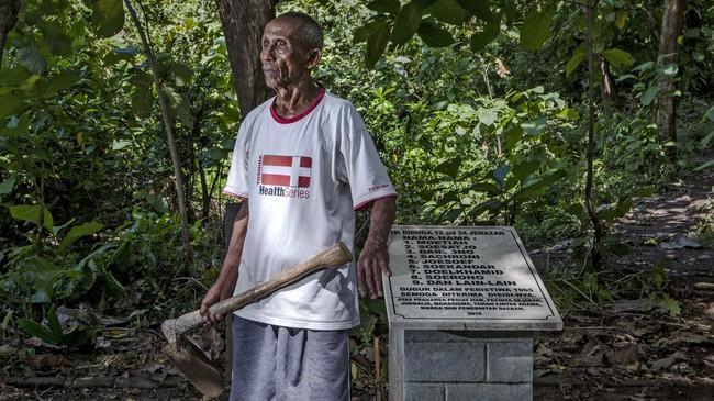 Keberadaan makam tersebut sempat ditutup-tutupi oleh warga sekitar karena takut pada rezim orde baru.(Getty Images/Ulet Ifansasti)