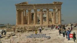 Imigran yang Tertahan di Yunani Pergi Tur ke Acropolis