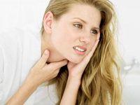 Sakit tenggorokan ketika bangun pagi dapat menjadi pertanda infeksi jamur, bakteri, atau virus. Namun, tidak menutup kemungkinan sebagai tanda kanker tenggorokan jika terus berlanjut. Foto: Thinkstock