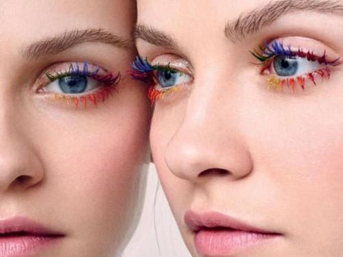 Tren Kecantikan Aneh: Bulu Mata Ombre dan Alis High-heels