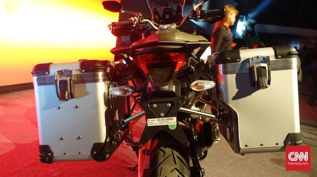 Dual side box di kiri dan kanan semakin mempertegas bahwa Ducati Multistrada 1200 Enduro memang motor penjelajah. Foto: CNN Indonesia/Aqmal Maulana