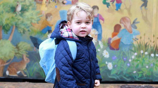 Lucunya Pangeran George Pakai Jaket 'Warisan'