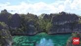 Kendati berbau aksi petualangan ekstrem, aktivitas air di Raja Ampat terbilang aman, ketinggian gelombang maksimal 5 meter.