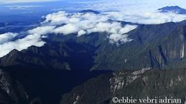 Menjelajah Surga Dunia di Taman Lorentz Papua