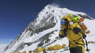Empat Pendaki Ditemukan Tewas di Gunung Everest
