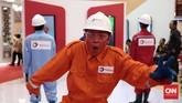 Salah satu atraksi di booth peserta pameranThe 40th IPA CONVEX 2016.Asosiasi Industri Minyak dan Gas Bumi (Migas) menggelar hajatan tahunan IPA Convention dan Exhibition yang ke-40 tahun ini, mulai Rabu ini (25/6) hingga Jumat nanti (27/6) di JCC, Senayan, Jakarta.Foto: CNN Indonesia/Andry Novelino