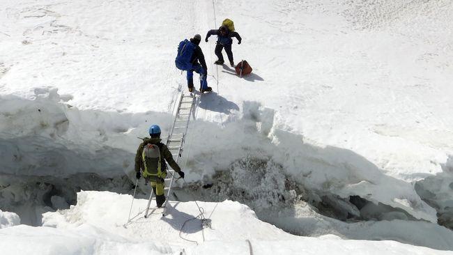 Gaji Pemandu Gunung Everest Bisa Mencapai Rp141 Jutaan