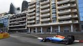Rio Haryanto finis di belakang rekan setimnya, Pascal Wehrlein. Pebalap asal Jerman itu seharusnya finis di posisi ke-13, namun terkena dua kali penalti 10 detik. (Dok. Manor Grand Prix Racing Ltd)