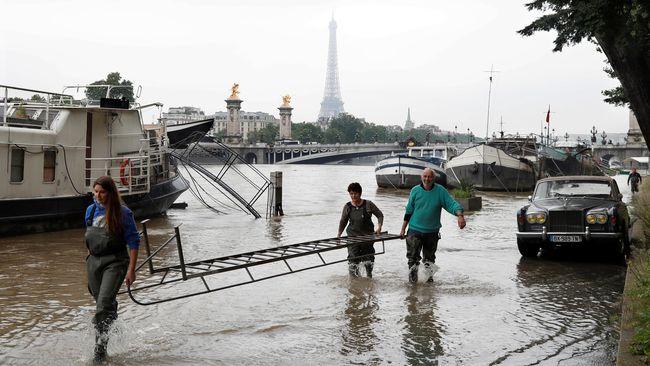 Cara Kenali Mobil Bekas 'Korban' Banjir