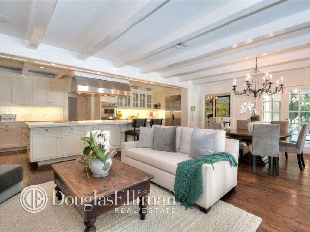 Foto: Mengintip Rumah Adele Seharga Rp 129 Miliar di Beverly Hills