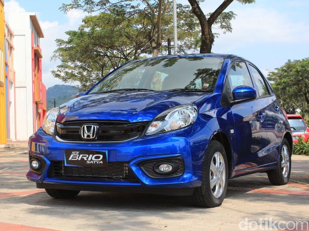 LCGC keluaran Honda juga masih favorit Indonesia. Mobil terjual sebanyak 3.898 unit pada bulan Februari 2018. Foto: Niken Purnamasari