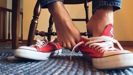 Cara Menghilangkan Bau Tak Sedap pada Sepatu