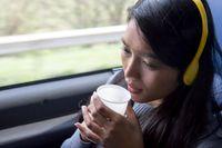 Dehidrasi adalah penyebab selanjutnya orang mudah mengantuk dan kelelahan. Karena itu, pastikan minum dengan cukup ya setiap harinya. Foto: thinkstock