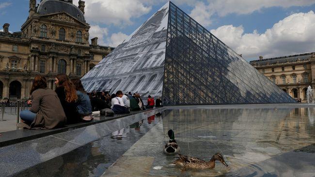 Ruang Pameran Seni Islam di Louvre Ditutup karena Kebanjiran