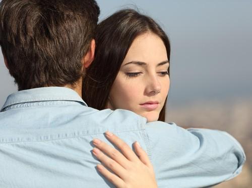 Pernikahan yang Kurang Bahagia Patut Dipertahankan, Ini Alasannya