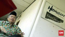 Taufiq Ismail Tak Rendah Diri Disebut Anti-PKI