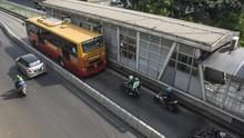 Truk Brimob Masuk Jalur Transjakarta, Polisi Klaim Ada Izin