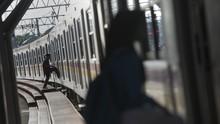 Rel Tergenang, Perjalanan Kereta di Jakarta Terlambat