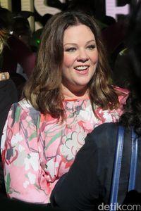 Pemeran Sookie di serial Gollmore Girls, Melissa McCarthy sukses menurunkan berat badan sebanyak 34 kg. Ia menjalani diet rendah karbohidrat dan tinggi protein. Foto: Komario Bahar/detikHOT