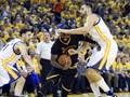 Irving-LeBron Cetak Sejarah, Cavaliers Tunda Pesta Warriors