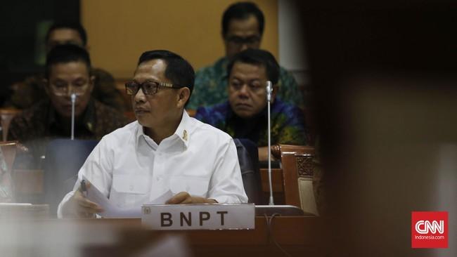 Komjen Tito Karnavian menyatakan paham dia termasuk junior dibanding sejumlah jenderal di atasnya. Namun, kata dia, senioritas bukan satu-satunya faktor yang menentukan dalam menjalankan tugas sebagai pemimpin. (CNN Indonesia/Safir Makki)