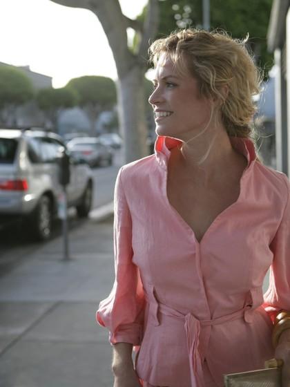 5 Bahan Pakaian Paling Ideal Dikenakan Saat Cuaca Panas