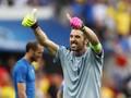 Buffon Sanjung Kekokohan Bek Italia