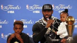 LeBron James Kini Tak Lagi Respek Terhadap Phil Jackson
