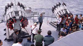 Jokowi Diminta Tak Pakai Kapal Perang Hadapi Masalah Ikan