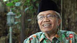 Taufiq Ismail Jadi Korban karena 'Kanan'