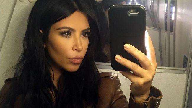 Pantat Kim Kardashian Penuh Selulit, Ini Kata Ahli Bedah Kosmetik