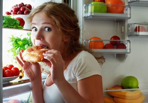 Nafsu Makan Naik Jelang Haid, Pertanda Gangguan Hormonal?