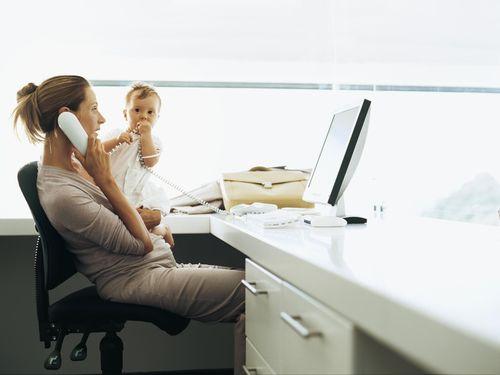 Ibu 9 Anak Bagikan Tips Seimbangkan Karier dan Keluarga 1