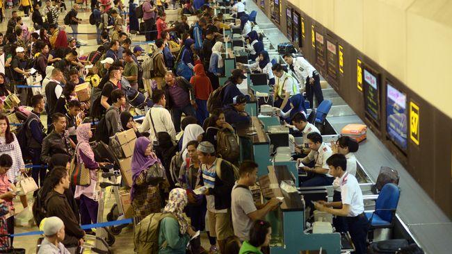 11 Penerbangan Terganggu oleh Kerusakan Runway Bandara Juanda