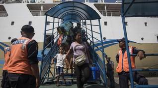 Kemenhub Soroti Tangga Manual di Pelabuhan Tanjung Priok