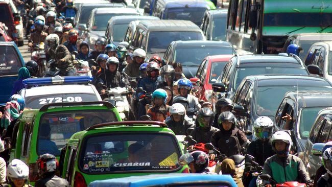 Jalur Puncak Bogor Dilebarkan demi Kurangi Kemacetan