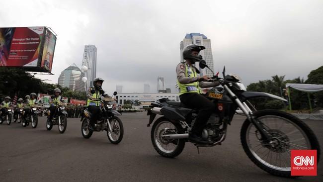 Personel yang dikerahkan mencapai 6.984 orang. Pengamanan ketat ini juga terkait dengan adanya aksi teror di Solo, Jawa Tengah. (CNN Indonesia/Safir Makki)