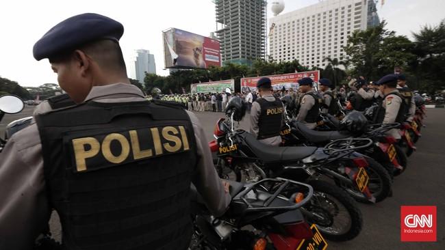 Personel bersepada motor dikerahkan untuk memudahkan pergerakan dalam pengamanan ibu kota.(CNN Indonesia/Safir Makki)