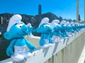 'Ramuan Ajaib' Papa Smurf Ubah Hong Kong jadi Desa Smurf
