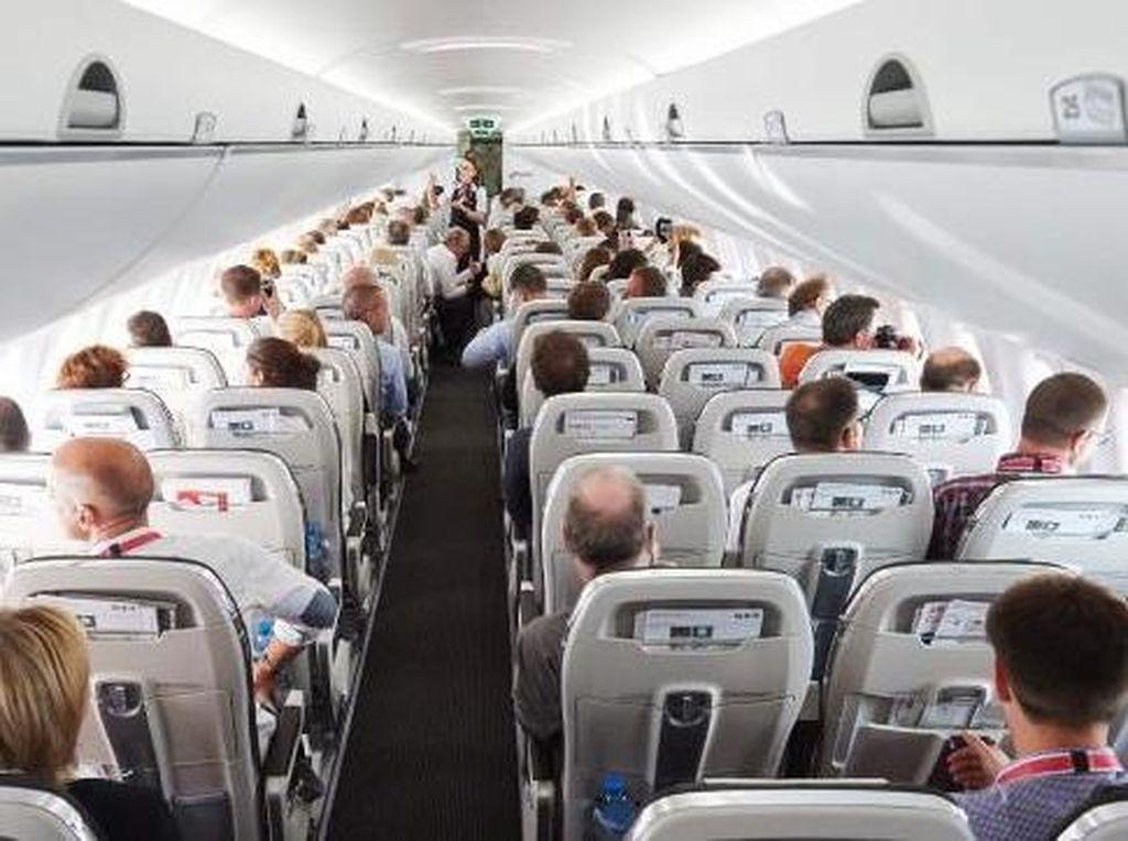 4 Hal yang Penting Dilakukan Saat di Pesawat Tapi Sering Terlupakan